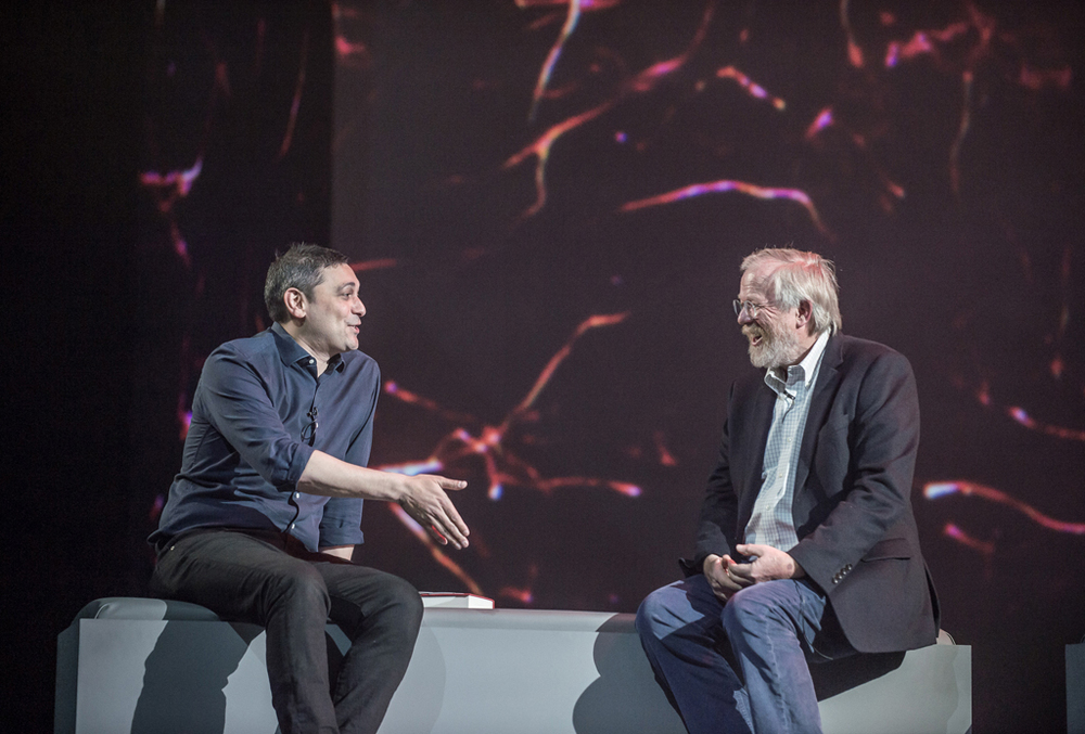 Bill Bryson talks about 'The Body' to Adam Rutherford with morphing blood vessel visuals.